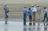 PROFEPA da 48 horas a PEMEX para limpiar de petróleo playas de Oaxaca