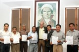 Toman protesta nuevos agentes municipales en Oaxaca