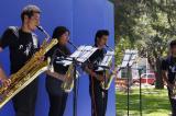 Alumnos de Bellas Artes embellecen jardines de Ciudad Universitaria con música