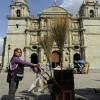 Primera mujer barrendera de la ciudad de Oaxaca