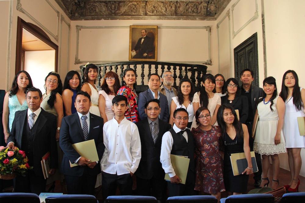 Primera generación de licenciados en Humanidades UABJO agosto 2015