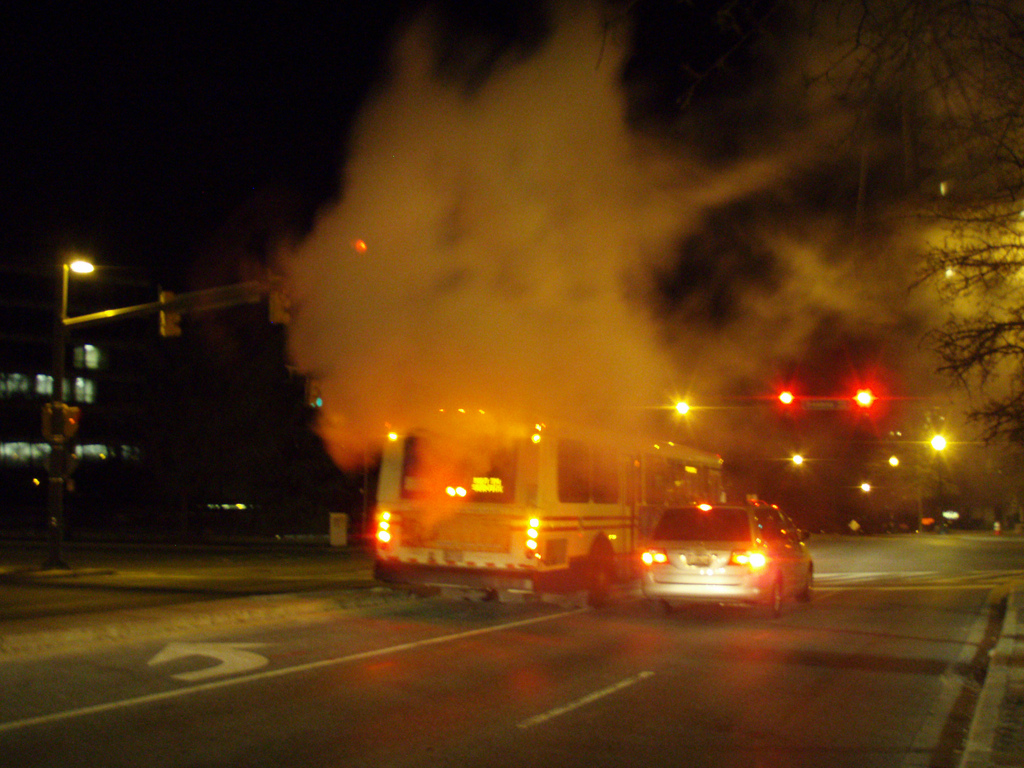 Autobus motor quemado cc Daniel Lobo