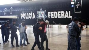 Maestros Detenidos por @Policia Federal