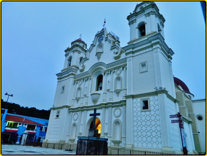 Santuario Nuestra Señora de Juquila,Santa Catarina Juquila,Estado de Oaxaca,México