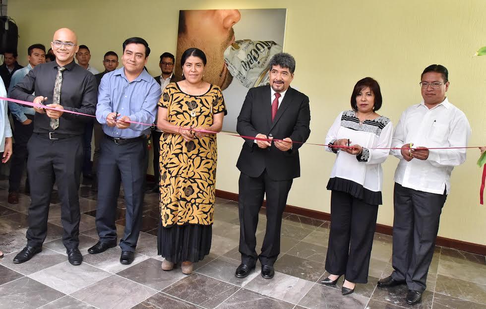 Inauguración exposición Nelson Medina 01