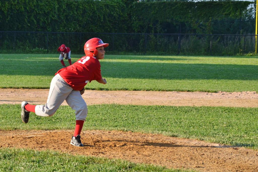 niños béisbol - por Edwin Martinez